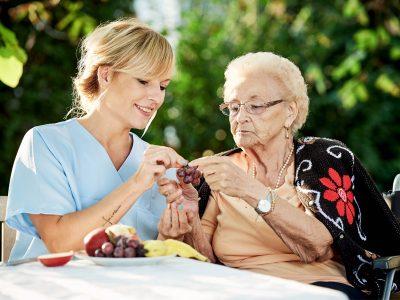 cuidado-de-personas-mayores-a-domicilio